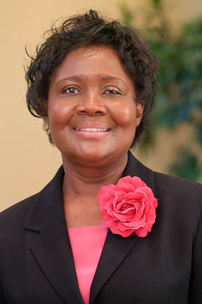 Image for Ella Simmons, Seventh-day Adventist Vice President, Visits the Center